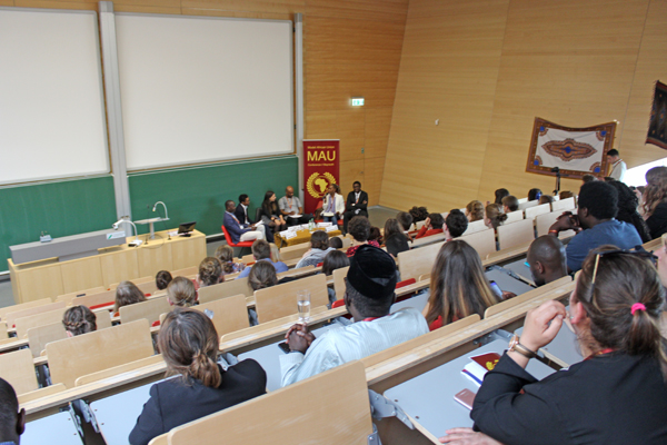 """Panel discussion on the topic """"Decolonizing knowledge systems in Africa"""""""
